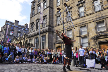 PHOTOGRAPH FREE TO USE FOR FIRST USE.  Edinburgh street artists perform in Edinburgh on the last weekend of the Edinburgh Festival Fringe 2009.  This year saw a record number of acts perform representing the best dance, theatre and comedy.