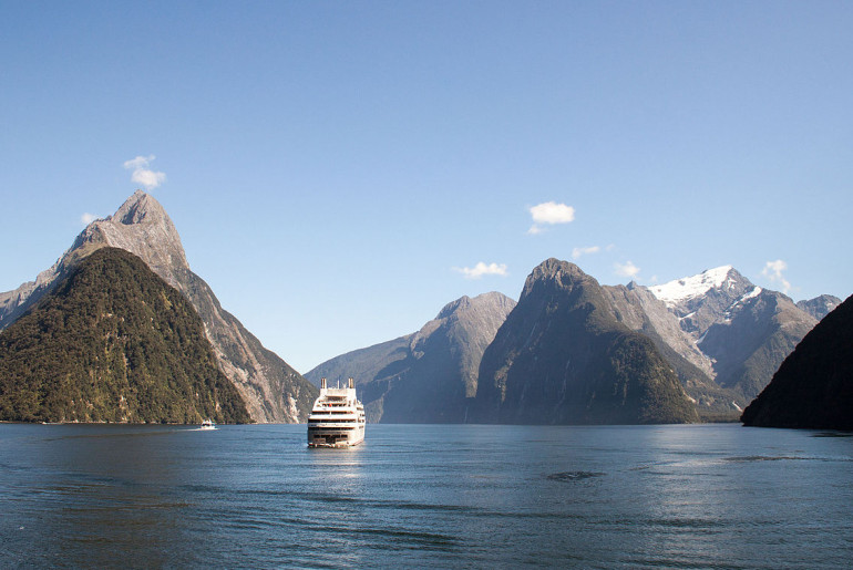 Milford_Sound_cruising_2016-01-31-6