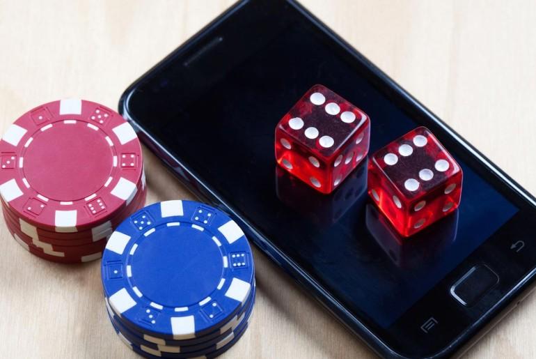 mobile-gambling-1440