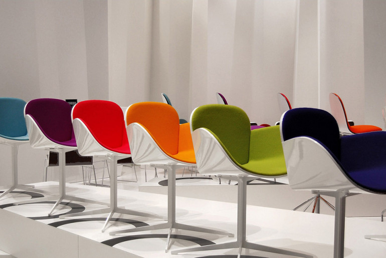 Il_salone_è_mobile_color_chairs
