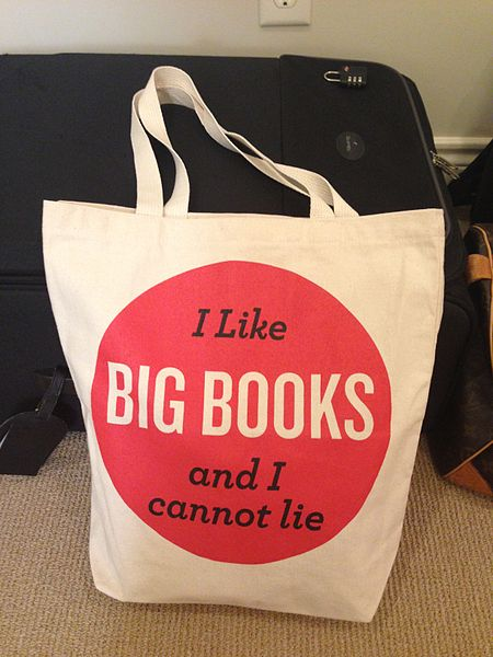 Canvas_tote_bag_from_Books_&_Books,_Miami,_Florida,_USA_-_20130912