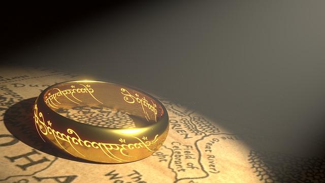 ring-1692713_640