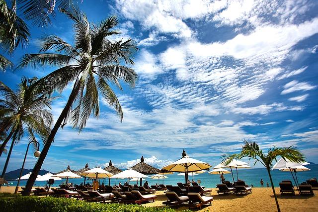 beach-1721396_640