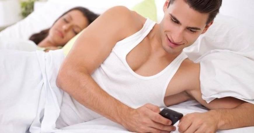 people-caught-cheating-on-facebook-u3